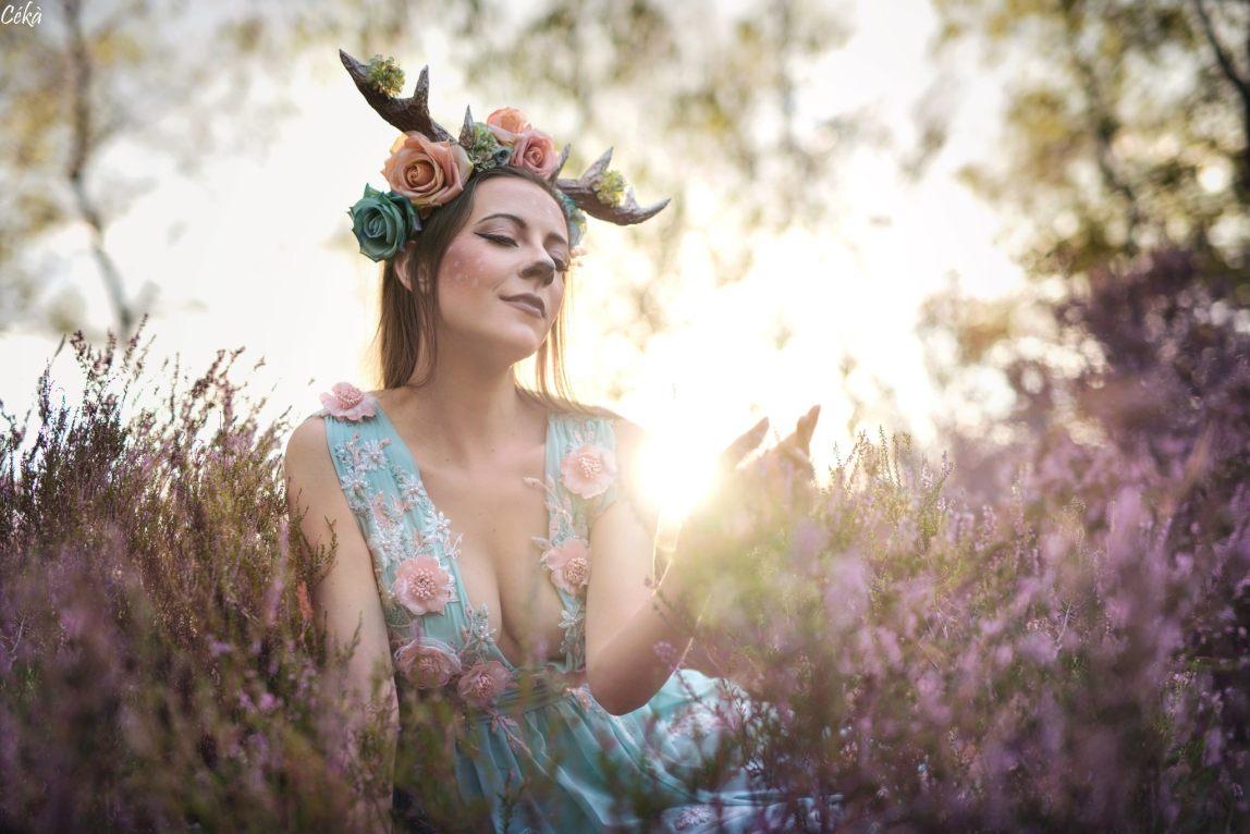 Portrait Bambi Forêt Fleurs